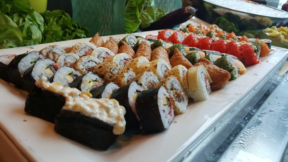 sushi-2736325_1920.jpg