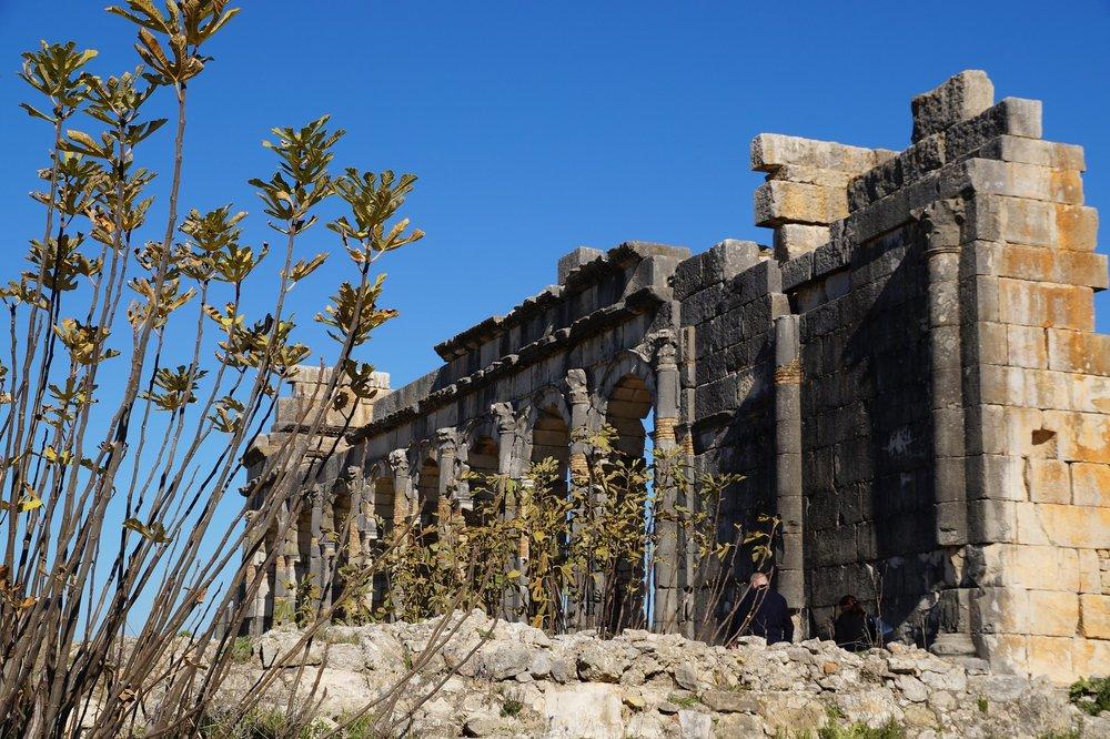 ruins-1005539_1920.jpg