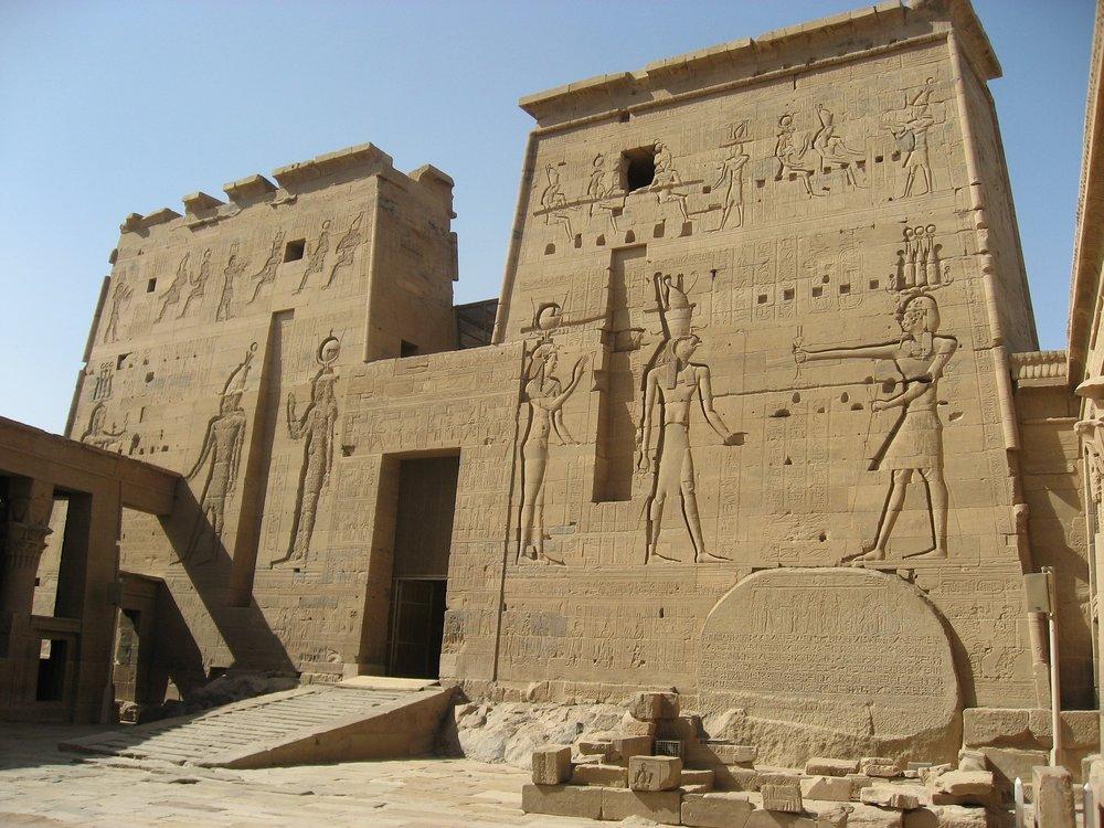 temple-of-isis-1343591_1920.jpg