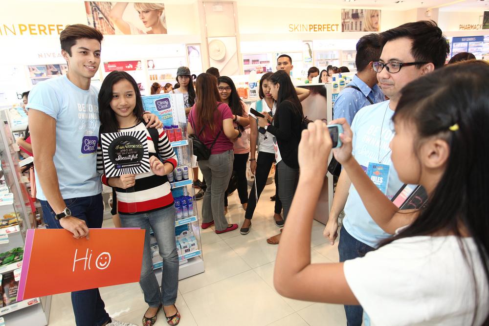 LA Aguinaldo at Clean & Clear Event
