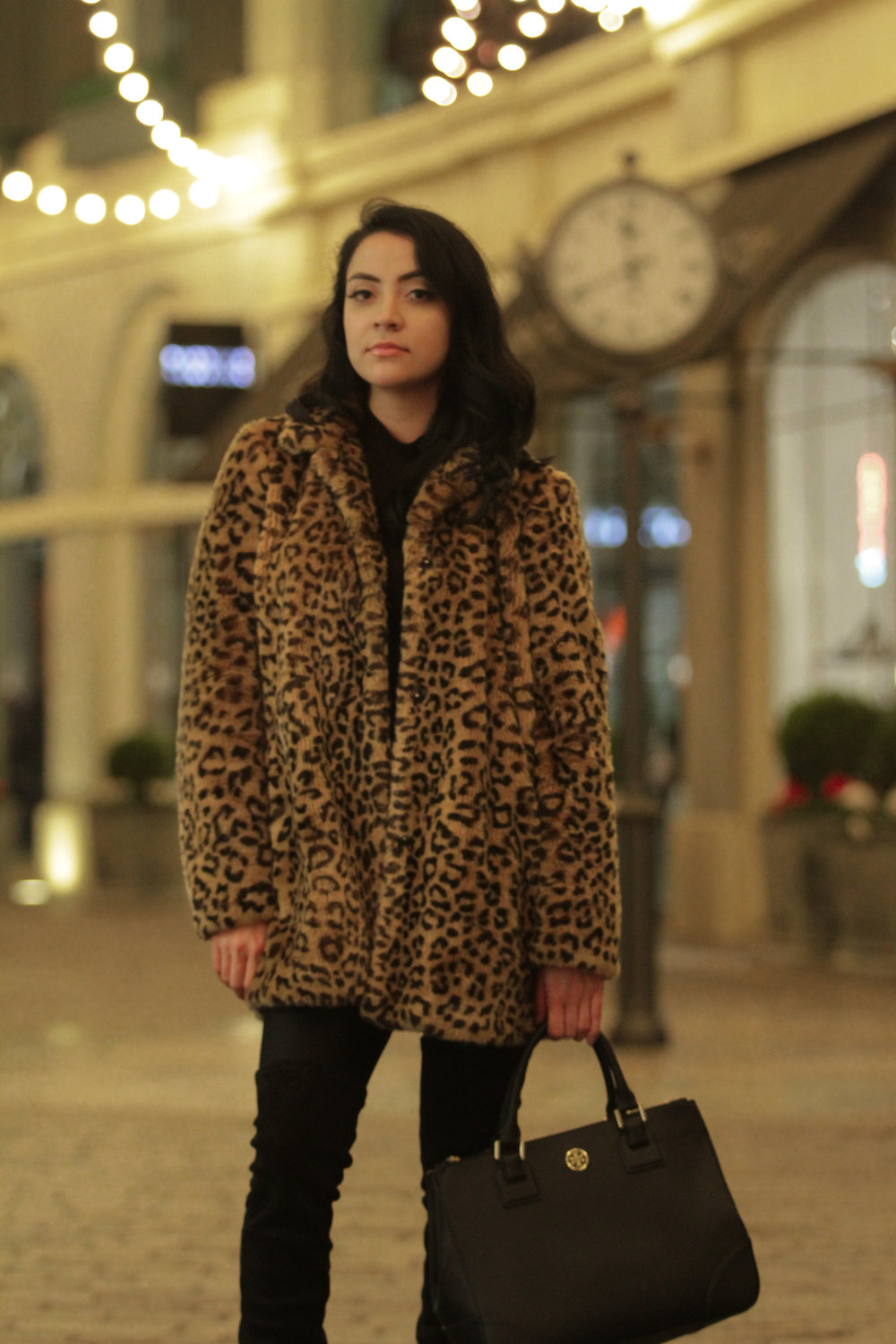 Leopard print is one of those timeless patterns that really can make an outfit pop. Although, it's important to make this print an accent piece with muted colors to avoid having an overly busy outfit.