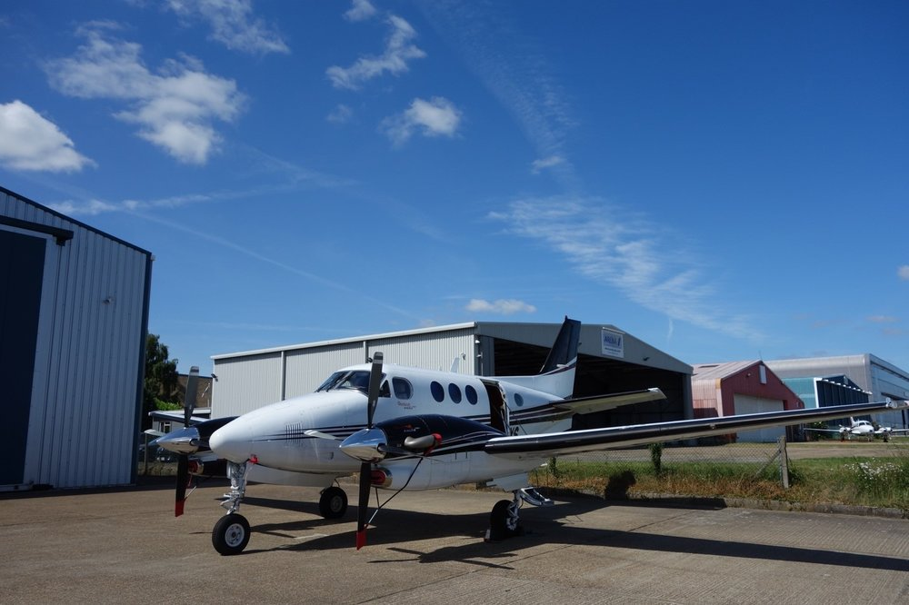 2006 Beechcraft King Air C90GT.jpg