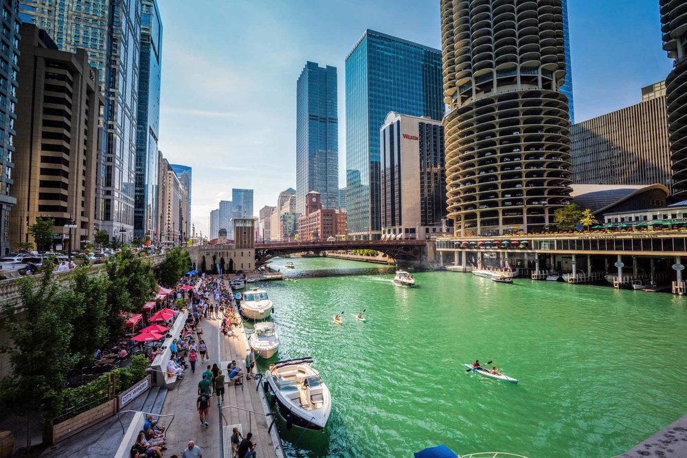 El_rio_chicago_y_el_Riverwalk.jpg