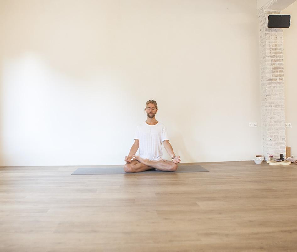 yoga-pranayama.jpg