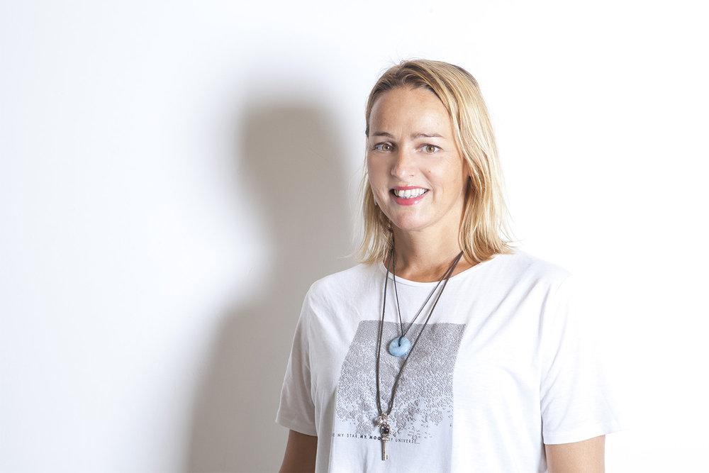 Dorrith Beijnes - Deep Guided Meditation & Yin Yang Yoga