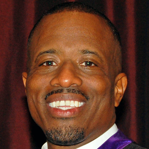 Dr. Aaron Jones, Sr. Pastor