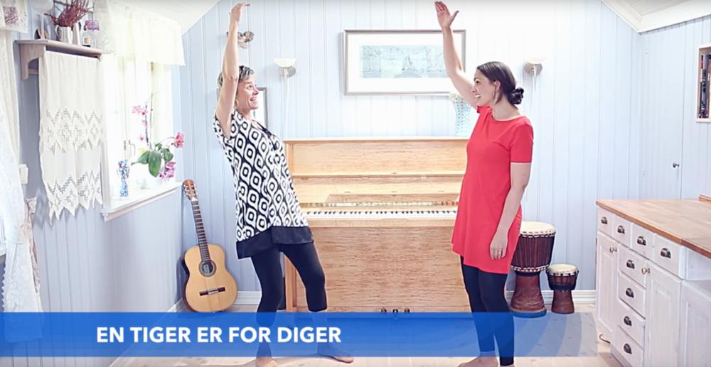 Sangbanken inneholder en rekke forklaringsvideoer som viser hvordan man lærer bort morsomme sanger og sangleker.