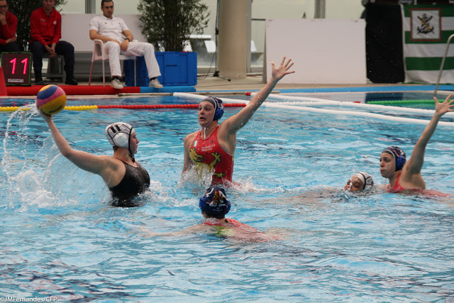 Kathy in action vs Padova.JPG