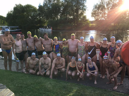 21 swimmers at the start of the Half-Mile