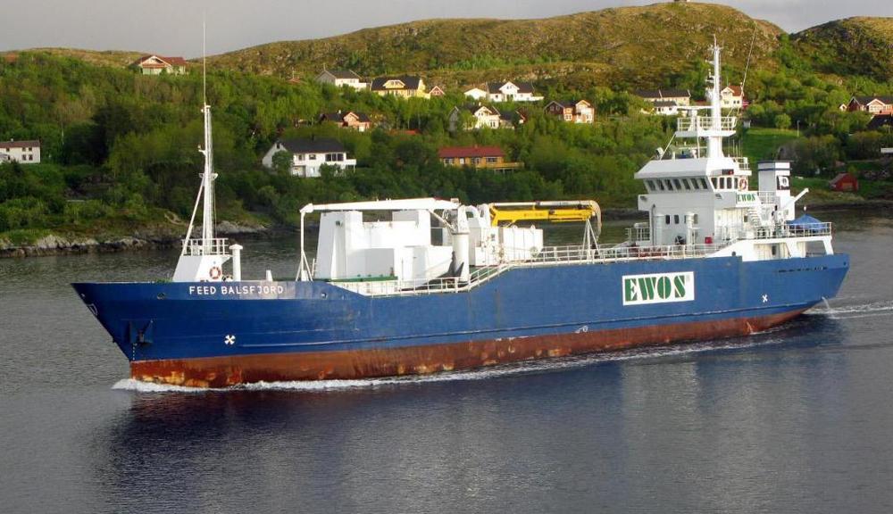 Feed Balsfjord  Tegning av automatisk losseanlegg for fiskefor, kranfundament, sidetthruster akter og forut, fundamnet hjelpemotor, klassetegninger og stabilitetsberegninger