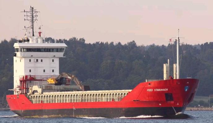 Feed Stavanger  Travers med gravemaskin, diverse ombygging i forskipet og stabilitetsberegninger med kornstabilitet.