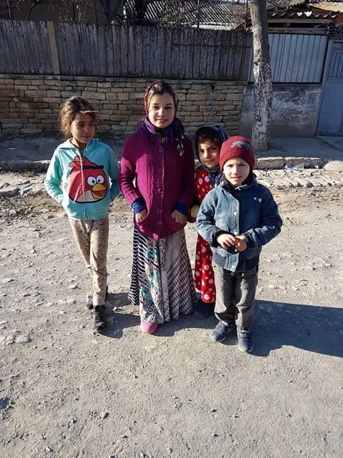 Barna ute på gata