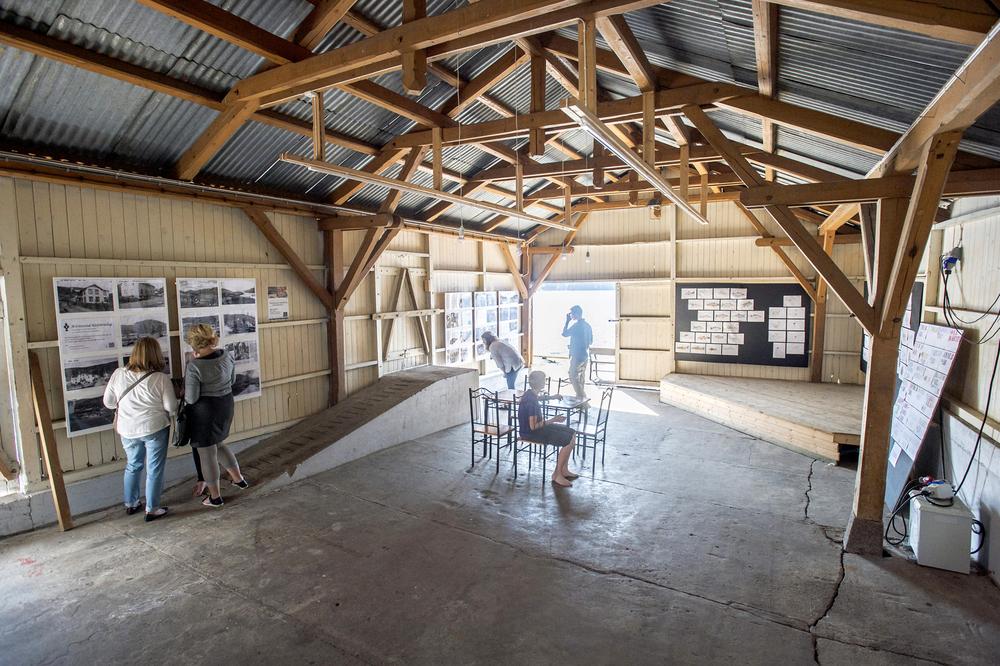 Utstilling i Pakkhuset, Kviteseid Brygge. Foto: Dag Jensen