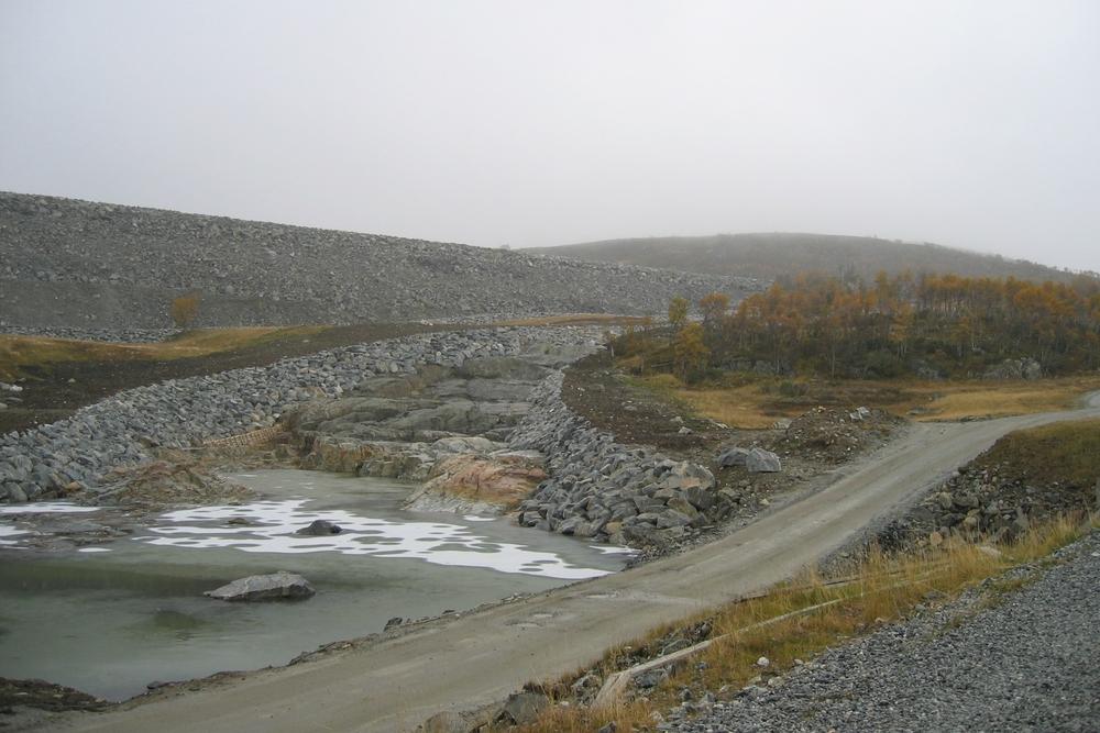 Flaumkanalen med natursteinsplastring