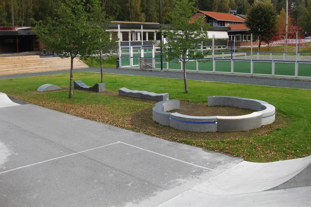 Skatepark og kunstverk. Kunstnar: Gunnar Torvund