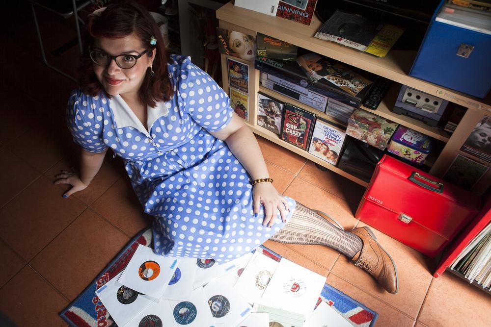 Claire Retro Girl Dj - Barcelona