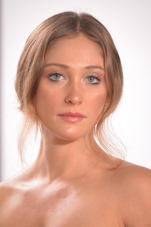 Natalie Robison dancer