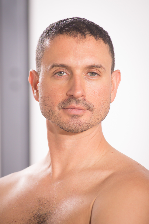 Benjamin Howe dancer
