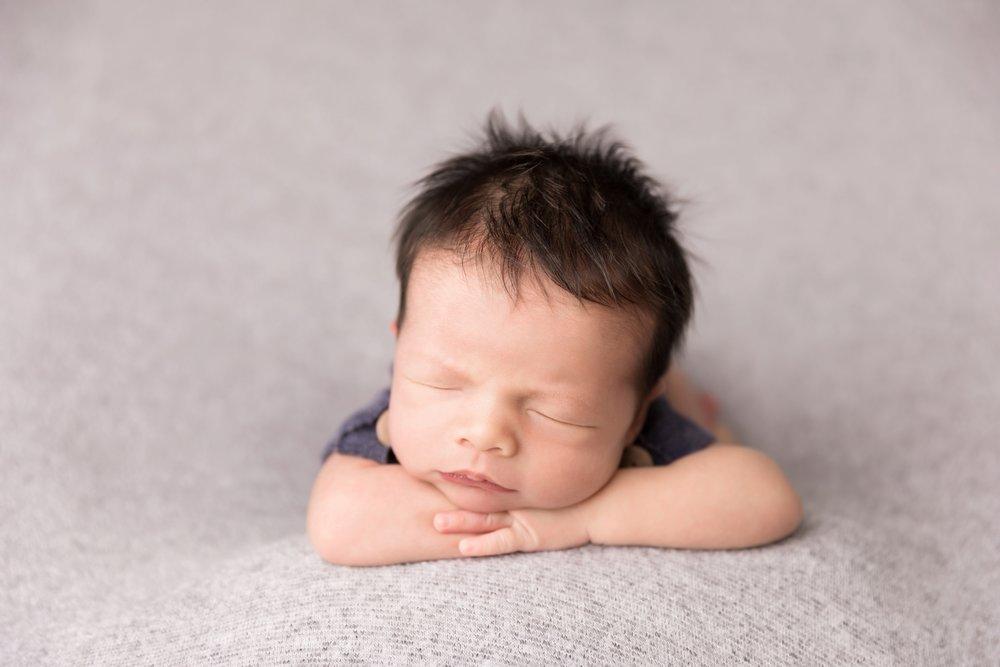 Newborn-Studio-Session-Jessica-Doffing-Photography_0004.jpg