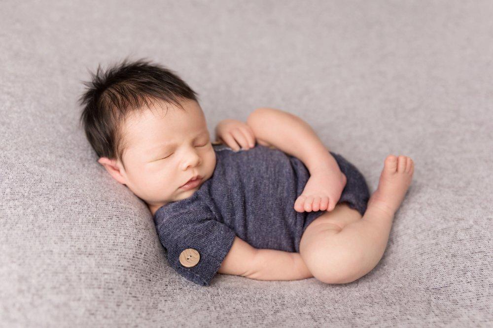 Newborn-Studio-Session-Jessica-Doffing-Photography_0006.jpg