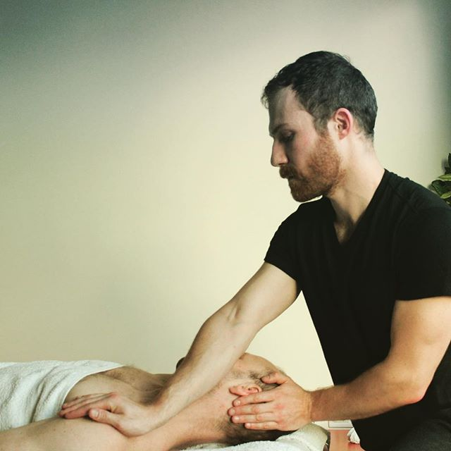 Deep breath in and let go of everything with your exhale  #stressfree #sportsmassage #sportsmassagetherapy #massage #massagelondon #neckpainrelief #stretch #deeptissuemassage #stressrelief #treatyourself