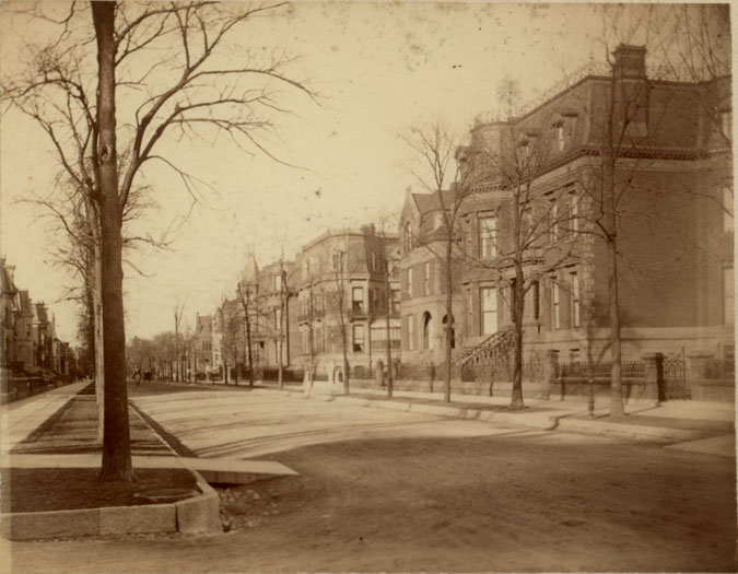 Prairie Avenue, circa 1890 (photo by George Glessner); the Schwartz (1919) and Kellogg (1923) homes are at far right.