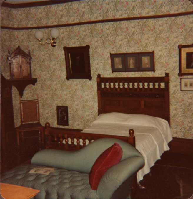 Master bedroom, June 7, 1981 (photo by William Tyre)