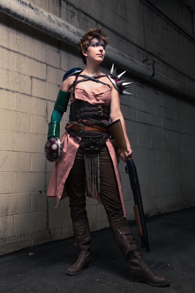 mad-max-fury-road-furiosa-and-princess-peach-cosplay-mashup-imperator-peachiosa5.jpeg