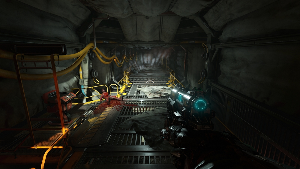 Tight corridors like this aren't as frequent as in Doom 3, a welcome improvement.