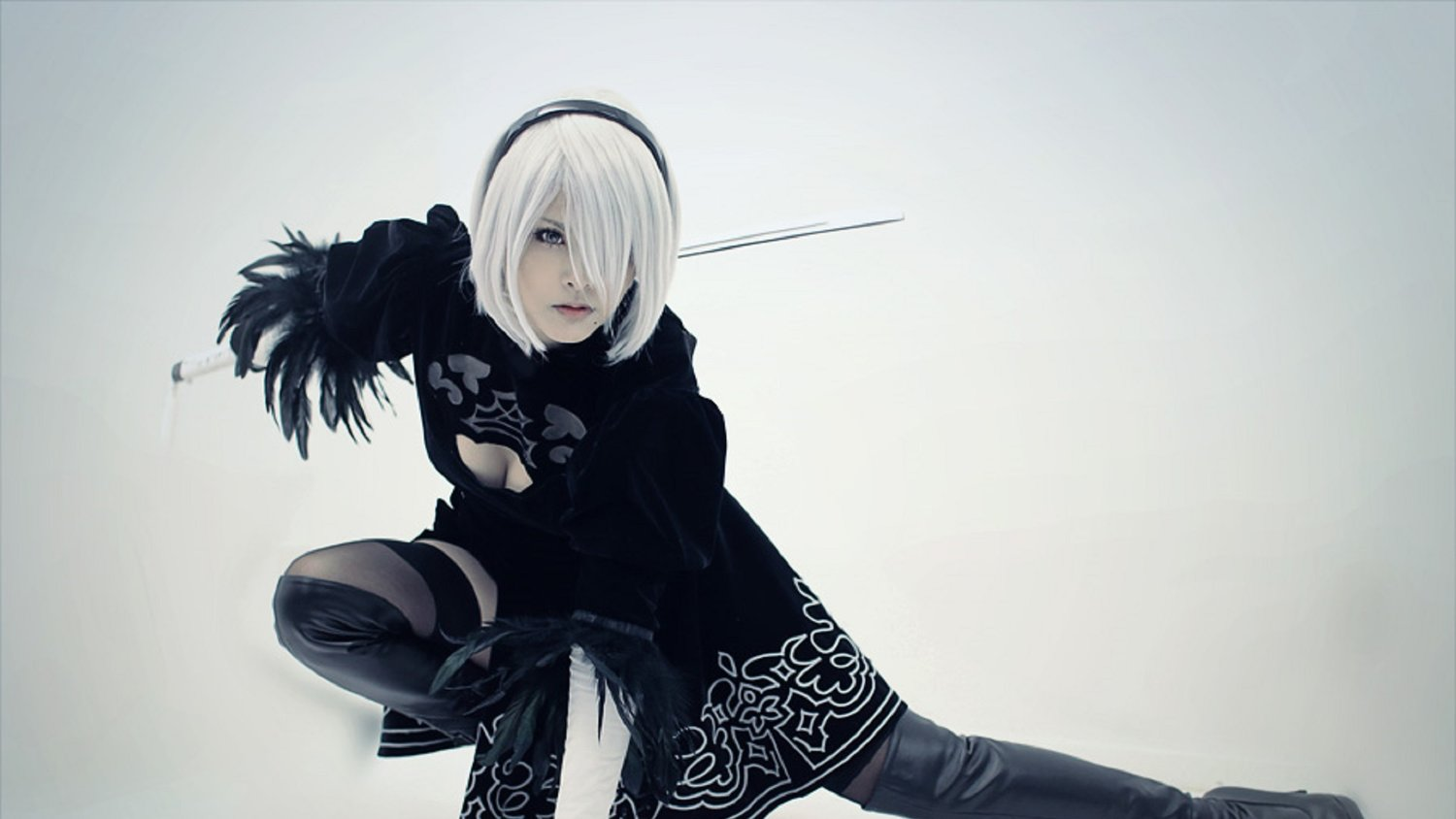 Nier: Automata isn't even out yet but that won't stop the world of cosplay.  0kasane0 leads the pack with her cosplay of leading lady Yorha 2b.