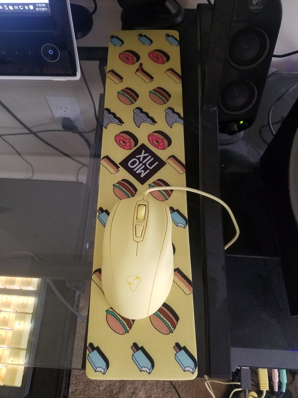 Mionix Castor Mouse with longpad.jpg