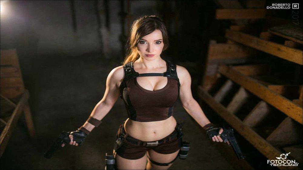 lara_croft___tomb_raider_cosplay_iv__by_enjinight-dbpkwyb.jpg