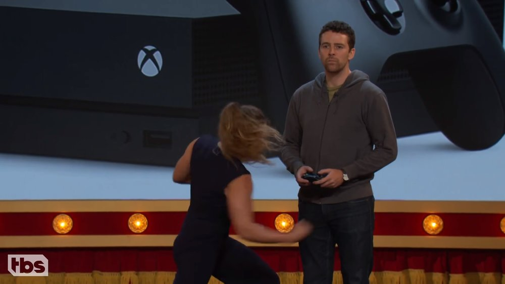 ronda-rousey-punched-a-dude-in-the-nuts-to-promote-the-xbox-one-x-social.jpg