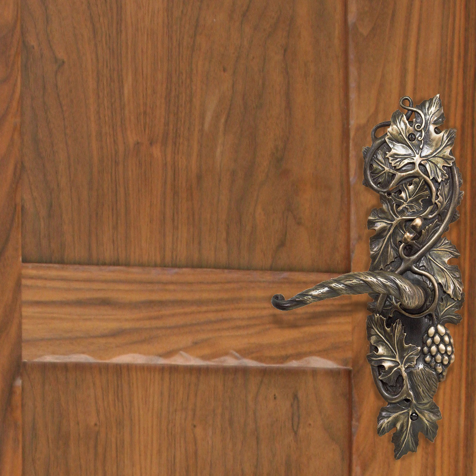 Grapevine entry door  lever