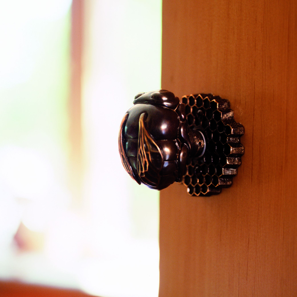 Bumble bee door knob