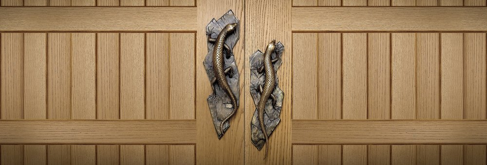 LIZARD DOOR HANDLES  Lizard inspired door handle and knobs   Lizard Hardware