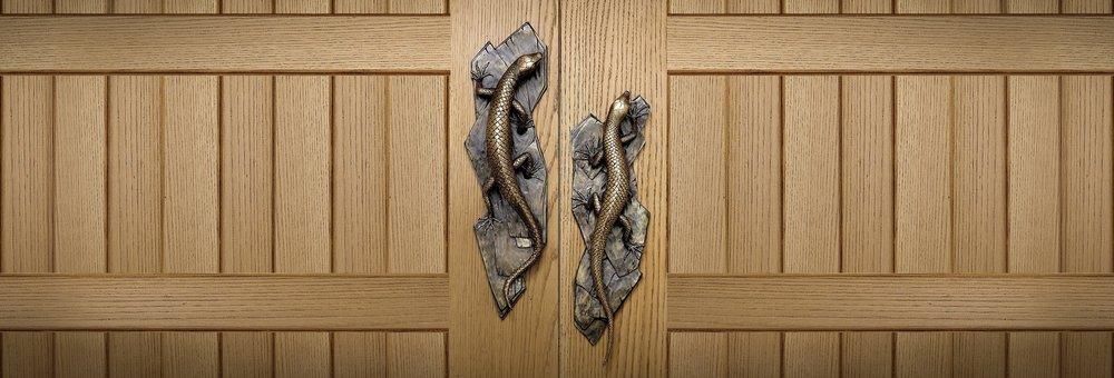 LIZARD DOOR HANDLES Lizard Inspired Door Handle And Knobs Lizard Hardware