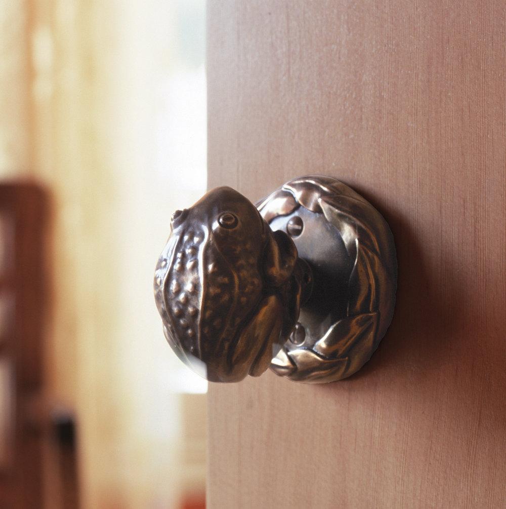 frog-door-knob-1.jpg
