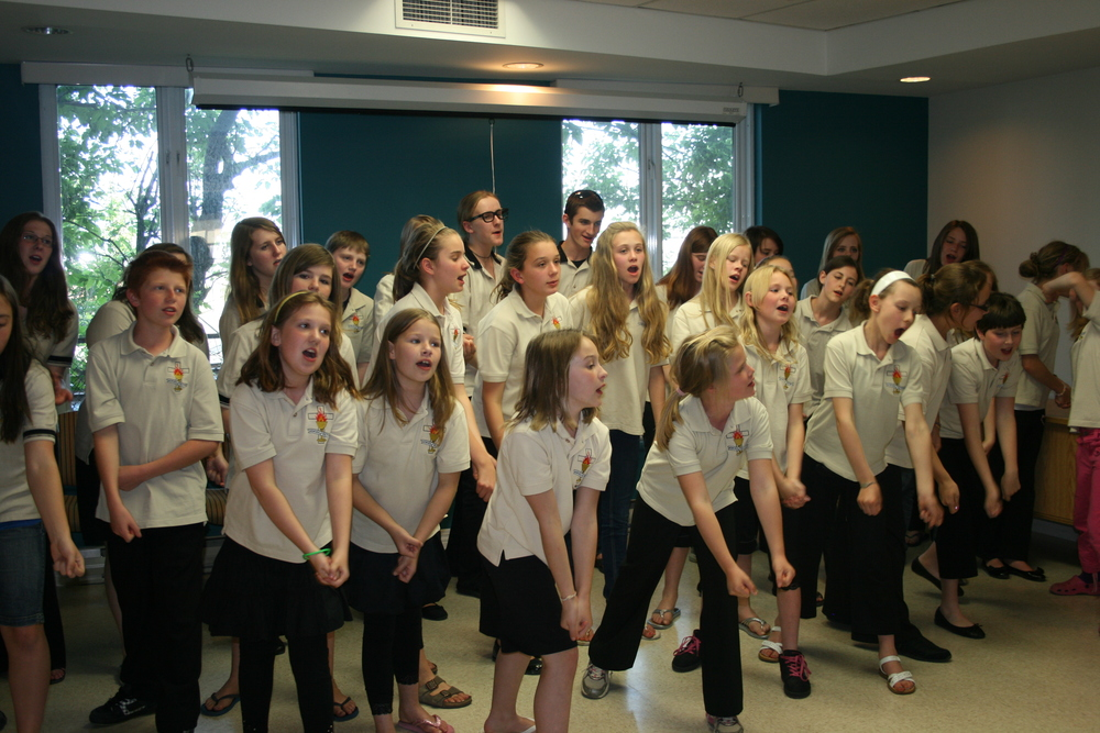 Performing at Nursing Home, Montreal, 2010.JPG