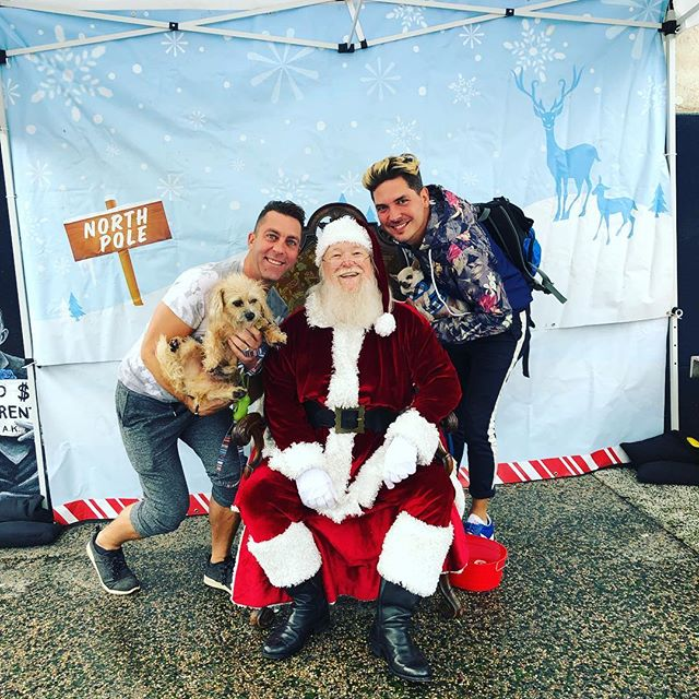 They asked Santa for cured meats and chew toys. 🎅🏻🎄🥓