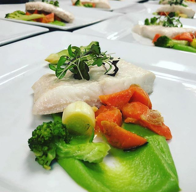 Just for the HALIBUT! Accompanied with pea purée and miso braised spring veg. 😏😏😏
