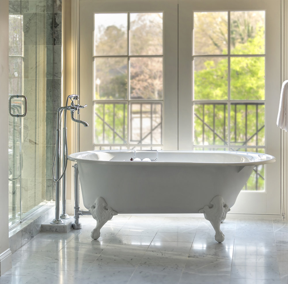 Chancellors_bath_tub_HRrv1_LR.JPG