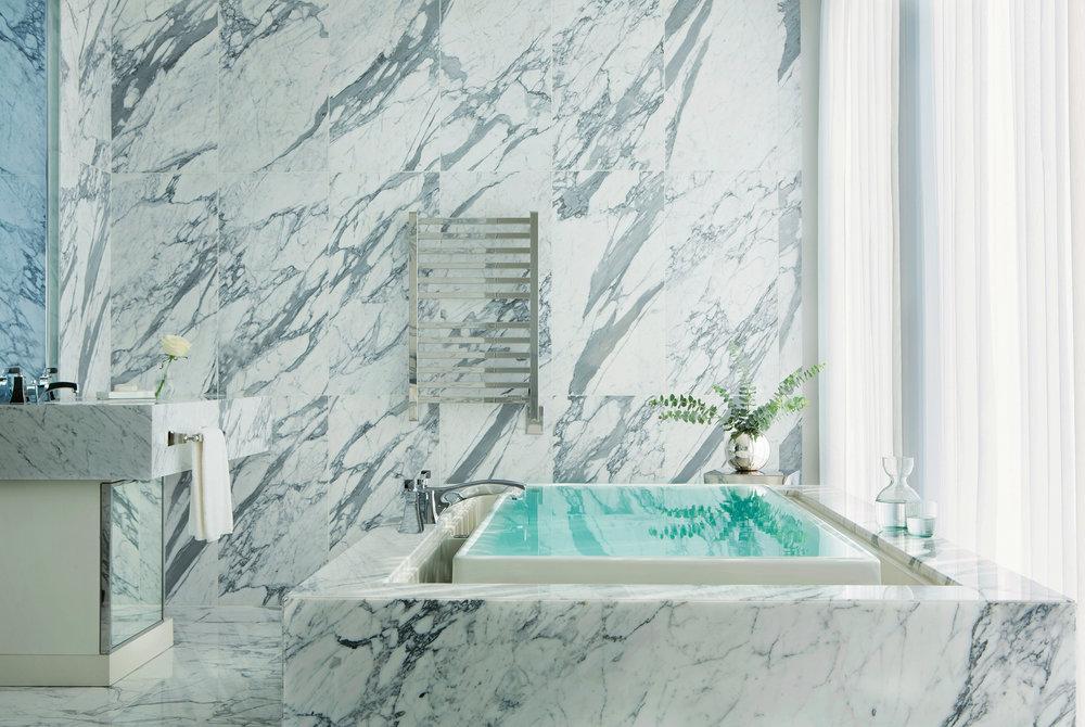 Langham Chicago Infinity_masterbathroom