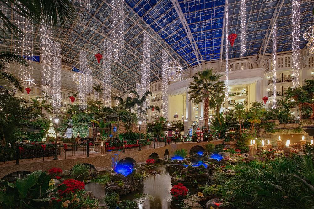GO-Cascades-Atrium-Christmas-01.jpg