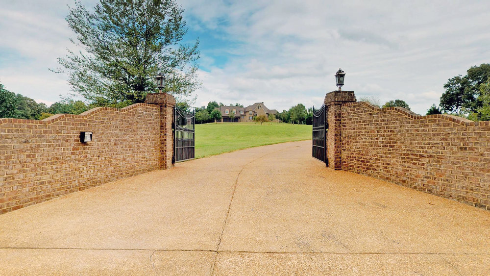 1052-Hammett-HuronTN-Front-Gate.jpg