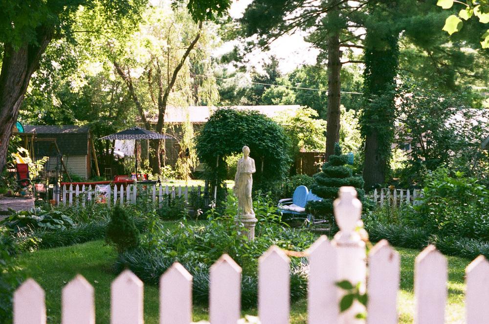 Seattle Film Works Photowalk - Bellbrook, Ohio - Garden Statue