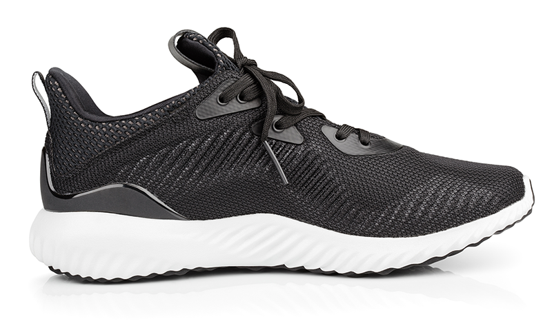 black_running_shoe_isolated_800.png