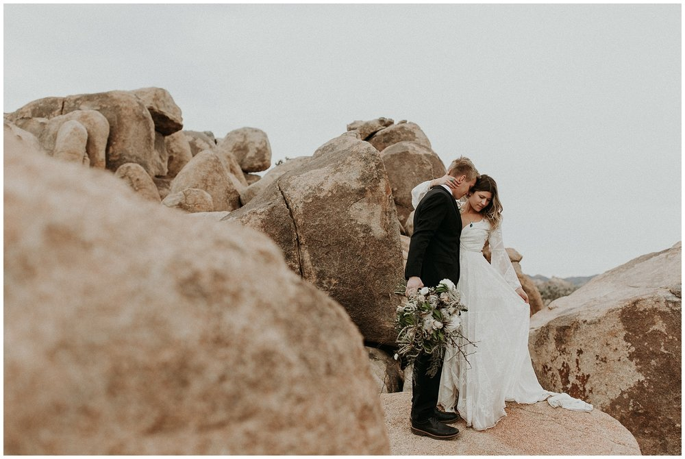 joshua tree elopement_0025.jpg