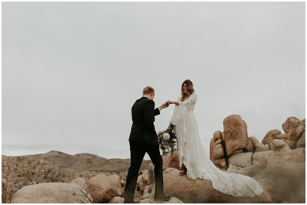 joshua tree elopement_0064.jpg