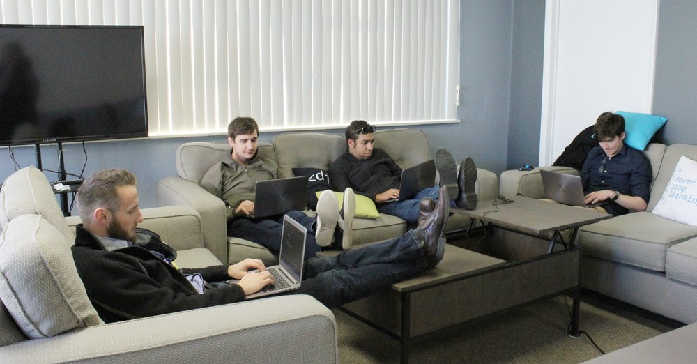 Students utilizing the elevate space.JPG
